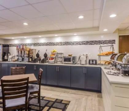 Quality Inn Mt Pleasant Charleston - Breakfast Area